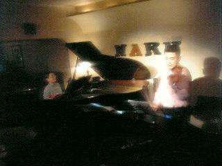 黒田京子のピアノと喜多直毅のバイオリンが生み出す驚異的な音の広がり