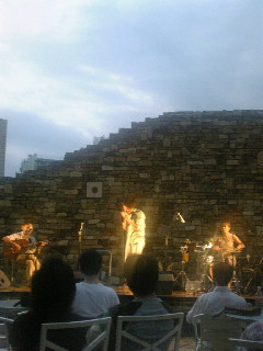 音あそび(仙道さおり+マツモニカ+長澤紀仁)はトリトンスクエアによく似合う