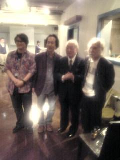左から林海象監督、川端プロデューサー、木村威夫監督、鈴木清順監督